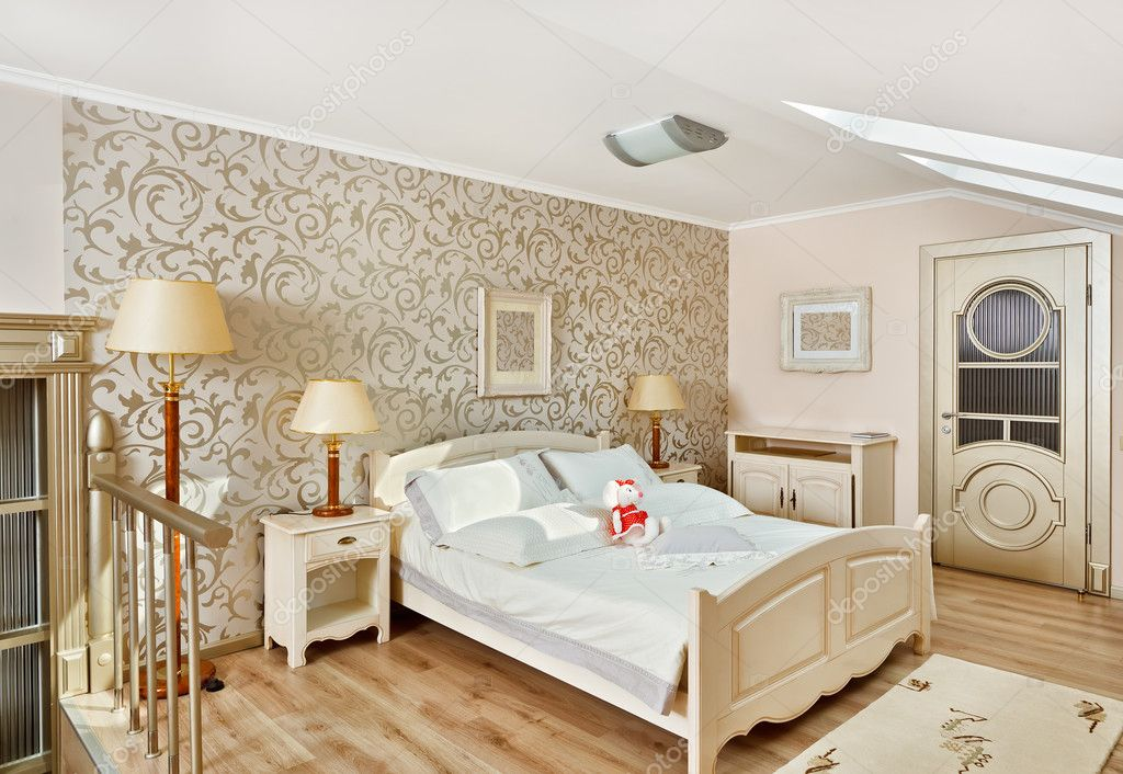 Modern art deco stijl slaapkamer interieur in lichte beige kleuren op loft kamer stockfoto - Deco kamer stijl engels ...