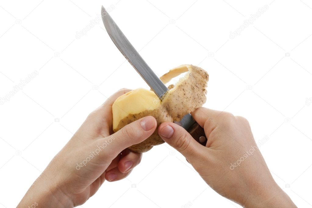 Hand holding knife peeling potato vegetable food — Foto Stock #3980222