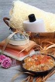 Spa composition: handmade soap, bath salt, moisturizer, towel, o — 图库照片