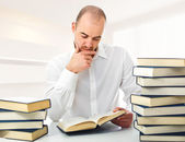 Man reading at home — Stock Photo