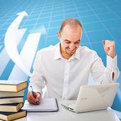 Homem e gráfico de plano de negócios — Fotografia Stock