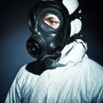 气体面具的男人 — 图库照片