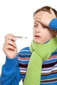 Temperatura del adolescente. el niño tomó por su termómetro. — Foto de Stock