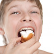Teen eats cake. The best dessert after a meal. — Stock Photo