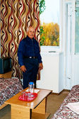 Elderly man in the room — Foto Stock