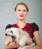 女孩和狗 — 图库照片
