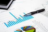 Finansiella diagram och grafer — Stockfoto
