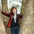 The girl near a tree — Stock Photo