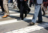 Crowd crossing — Stock Photo