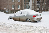 Cars under snow. Parked cars under snow — Stock Photo