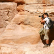 Tourist and Nabatean temple Petra, Jordan — Stock Photo