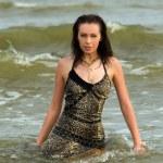 kobieta w wodzie morza — Zdjęcie stockowe #3985524