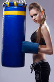 Woman in sports is a boxing — Стоковое фото