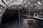 Formano un tunnel in un sotterraneo di miniera — Foto Stock