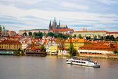 Prag'daki charles köprüsü'nden görüntülemek. — Stok fotoğraf