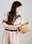 Portret van schoonheid jonge vrouw — Stockfoto