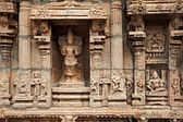 Bas reliefes in Hindu temple. Sri Ranganathaswamy Temple. Tiruch — Stock Photo