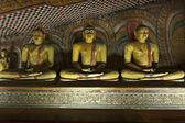Ancient Buddha imageы in Dambulla Rock Temple caves, Sri Lanka — Stockfoto