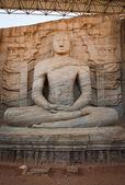 Gamla sittande buddha bild — Stockfoto