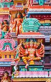 Sculptures on Hindu temple gopura (tower) — 图库照片