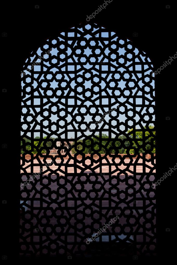 Marble carved screen window at Humayun's Tomb, Delhi, India — Stock Photo #5053773