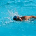 Swimming man — Stock Photo