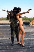 Soldado y mujer sexy — Foto de Stock