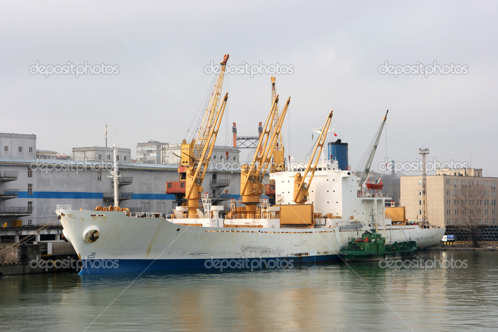 Sea Port of Odessa, Ukraine — Stock Photo #4998429