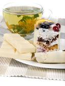 Tea and cake — Stock Photo