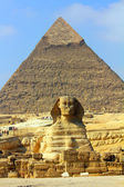 Sphinx et la pyramide d'egypte — Photo
