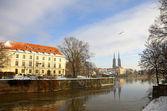查看关于在弗罗茨瓦夫的奥得河和奥斯特 tumski — 图库照片