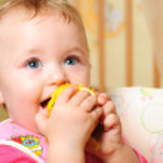 Girl eating apple — Stock Photo #5151249