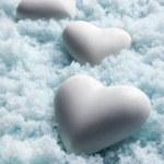 Blank white Hearts on Snow. Small DOF — Stock Photo