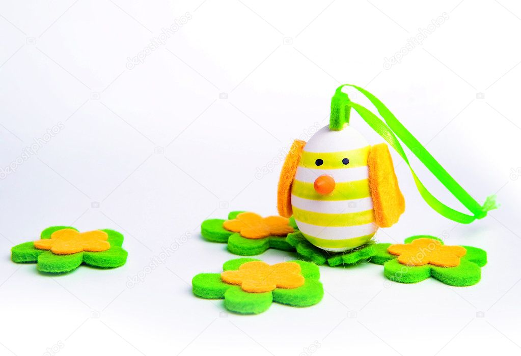 Painted Colorful Easter Egg on white background — Stock Photo #5266075