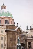 在布拉格古老的小镇广场 — 图库照片
