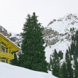 Mountain house in winter - Lizenzfreies Foto
