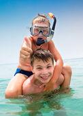 Dva chlapci na pláži — Stock fotografie