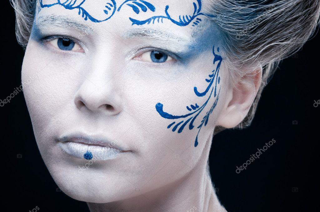 Eyes in Cool Winter Makeup