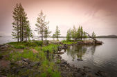 Beautiful northern landscape on the lake — Stock Photo