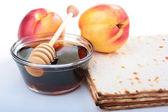 Matzah and nectarine — Stock Photo