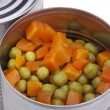 Canned peas — Stockfoto