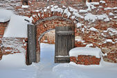 Old wooden gate in ancient russian monastery — Stock Photo
