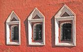 Vintage windows in ancient monastery — Stock Photo