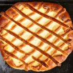 Blueberry pie on baking tray — Stock Photo #4683999