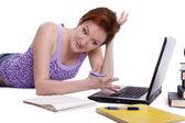 宿題をやっている女の子 — ストック写真