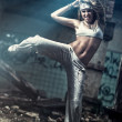 Young woman dancing — Stock fotografie