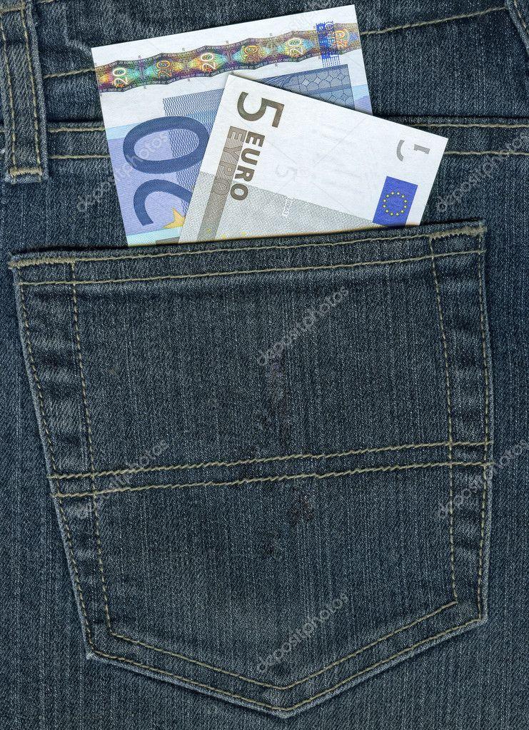 欧元在牛仔裤口袋里