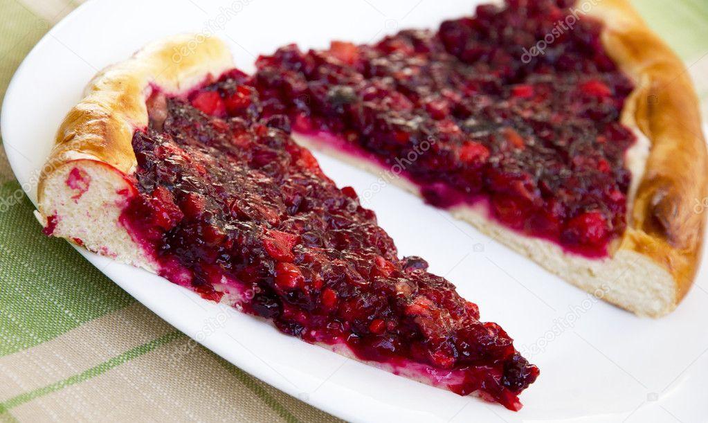 Открытый пирог брусникой рецепт фото