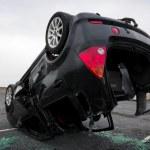 carro virado de cabeça para baixo, detalhe — Foto Stock