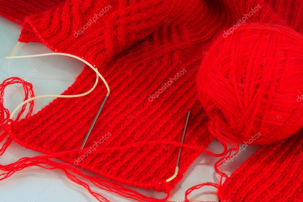 The hands it is possible to knit unique clothes — Stock Photo #4939882